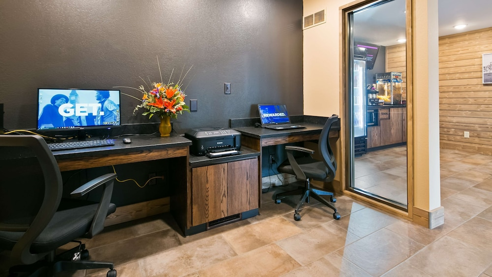 Business Center, Best Western Plains Motel
