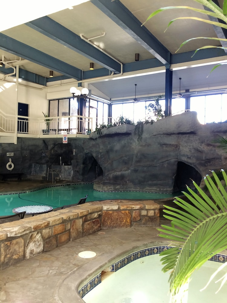 Indoor Pool, Sidney James Mountain Lodge