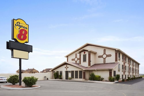 Super 8 by Wyndham Carlsbad