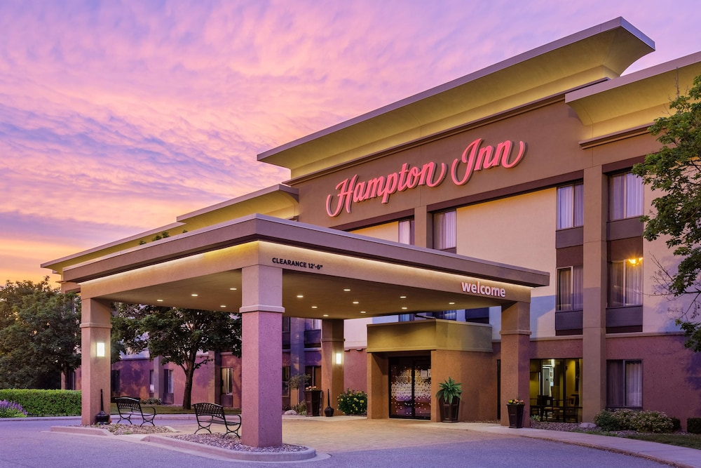 Featured Image, Hampton Inn Eau Claire