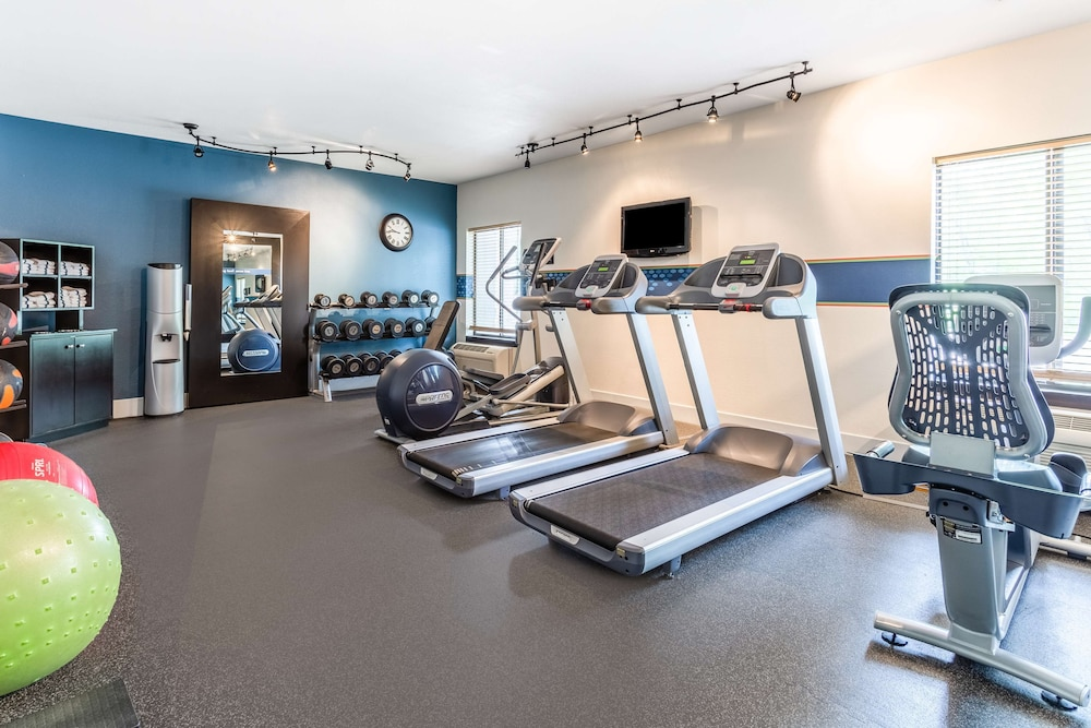 Fitness Facility, Hampton Inn Eau Claire