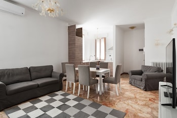 Apartment, 2 Bedrooms, Canal View, Annex Building - Living Area