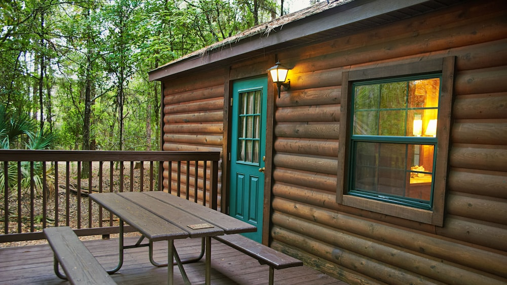 Terrace/Patio, The Cabins at Disney's Fort Wilderness Resort