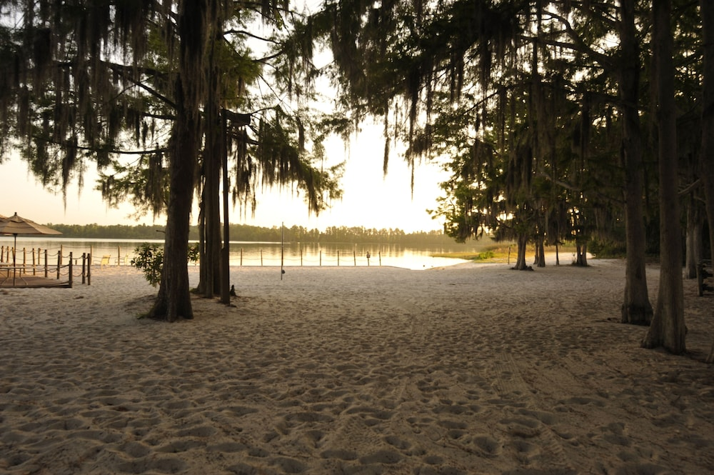 Beach, The Cabins at Disney's Fort Wilderness Resort