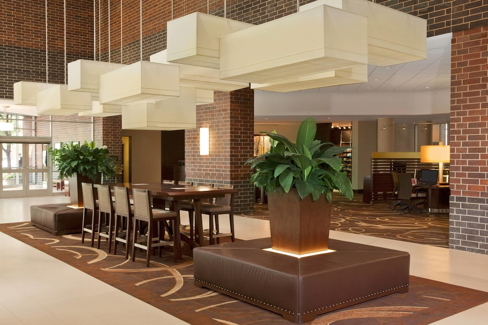 Lobby, Sheraton Indianapolis Hotel at Keystone Crossing