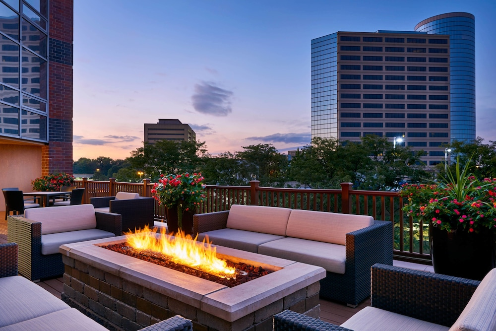Terrace/Patio, Sheraton Indianapolis Hotel at Keystone Crossing