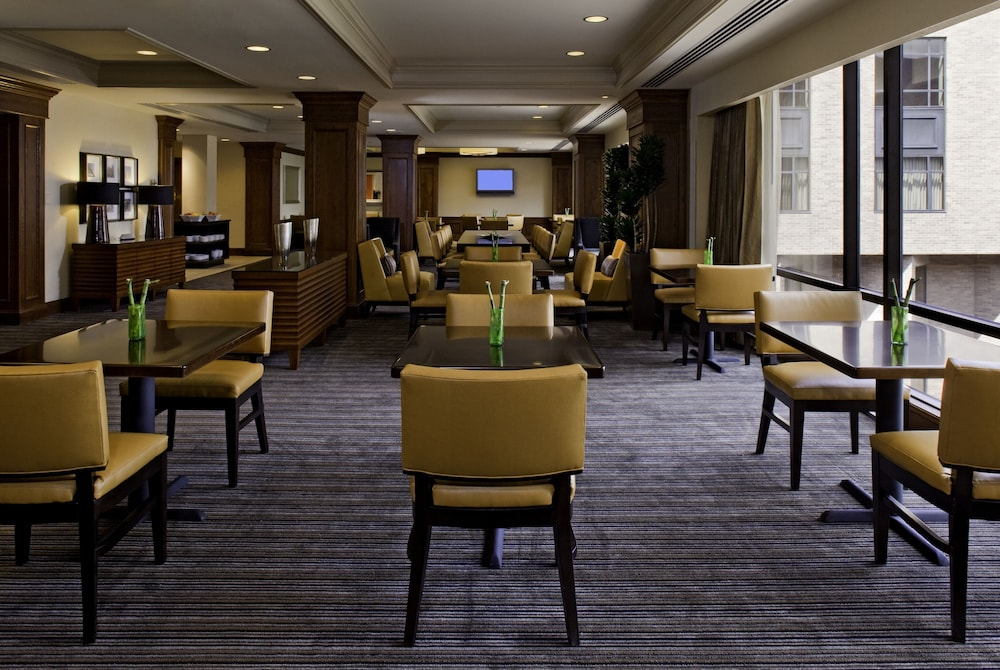 Executive Lounge, Hyatt Regency St. Louis at The Arch