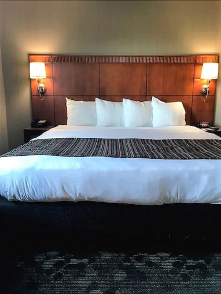 Room, Country Inn & Suites by Radisson, Portland Delta Park, OR