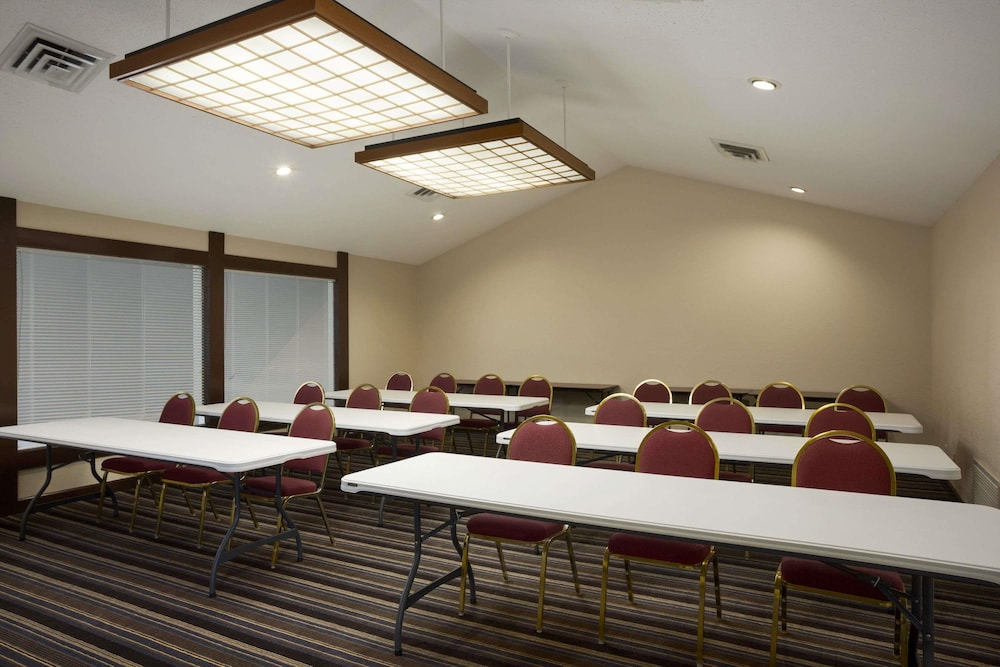 Meeting Facility, Hawthorn Suites by Wyndham Grand Rapids, MI