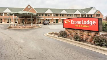 Econo Lodge And Suites Lake