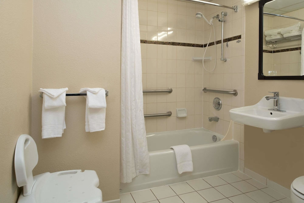 Bathroom, Ramada by Wyndham Downtown Spokane