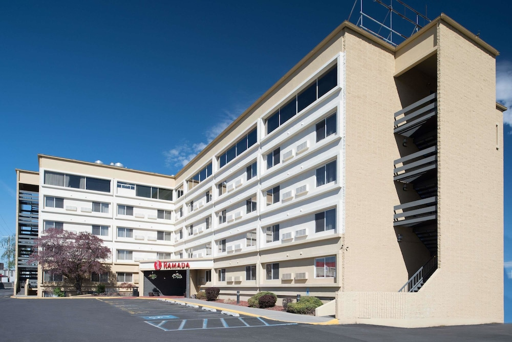 Exterior, Ramada by Wyndham Downtown Spokane
