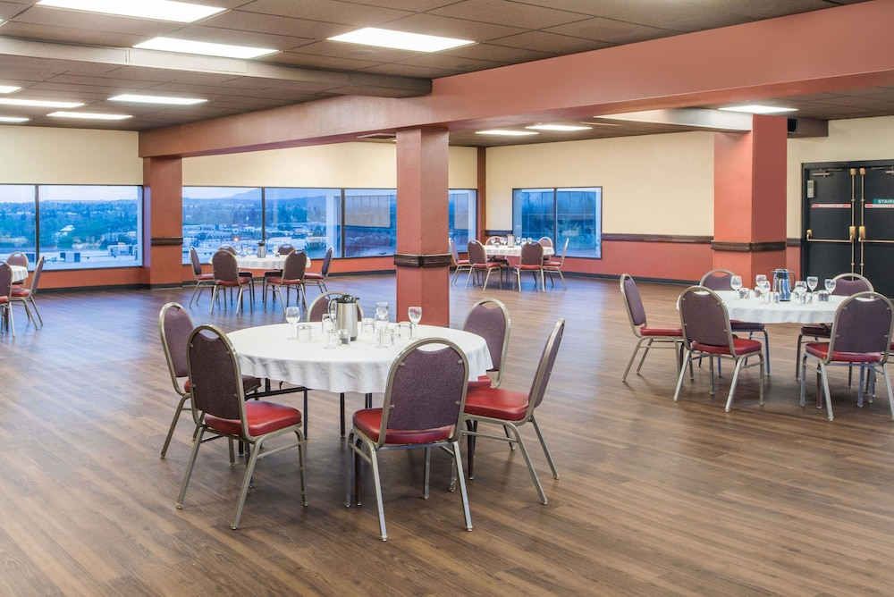 Ballroom, Ramada by Wyndham Downtown Spokane