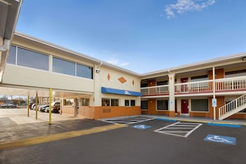 Days Inn by Wyndham Jacksonville NC