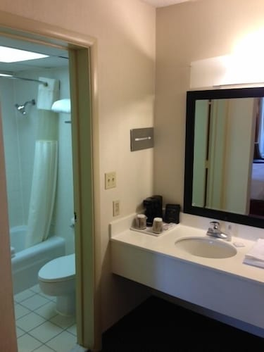 Bathroom, Ramada by Wyndham Salt Lake City North Temple