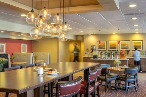 Breakfast Area, Ramada by Wyndham Salt Lake City North Temple