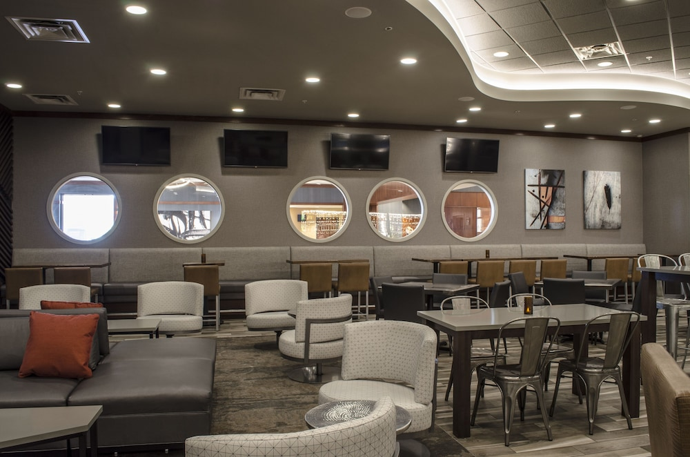 Bar, Holiday Inn Fargo