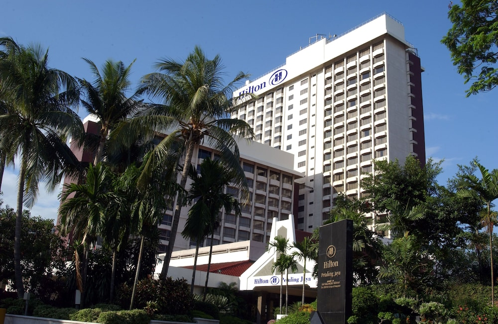 https://images.trvl-media.com/hotels/1000000/20000/15100/15036/2a742808_z.jpg