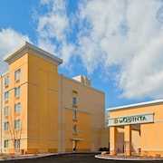 La Quinta Inn & Suites Danbury