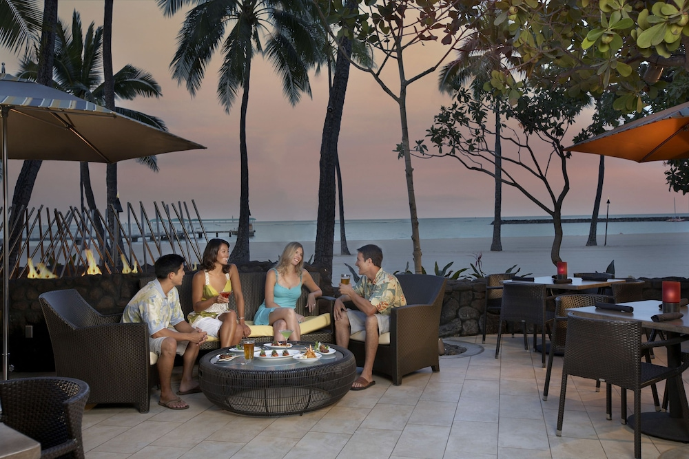 Outdoor Dining, Grand Waikikian by Hilton Grand Vacations