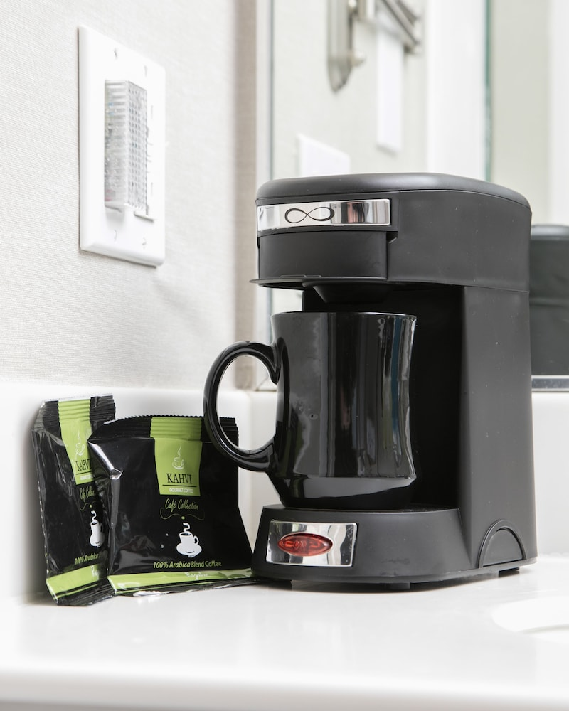Coffee and/or Coffee Maker, City Center Inn & Suites