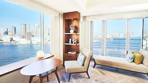 Minibar, in-room safe, desk, blackout drapes