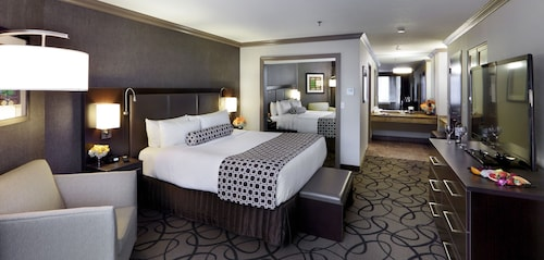 The Verve Boston Natick, Tapestry Collection by Hilton