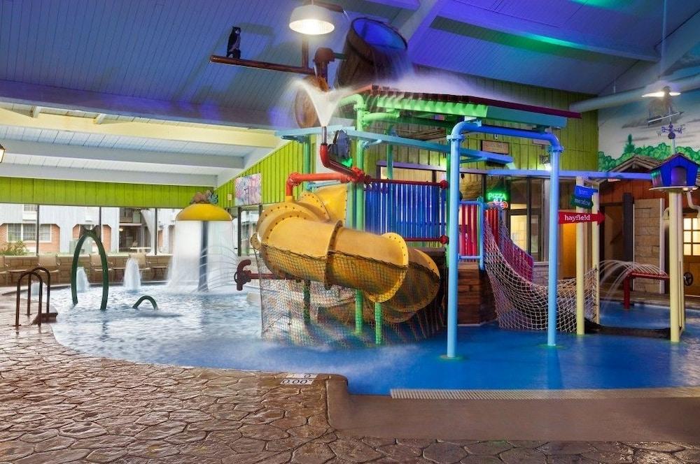 Iowa City Hotel Indoor Water Park