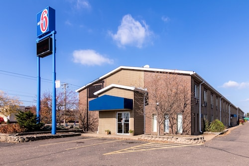 Great Place to stay Motel 6 Eau Claire near Eau Claire