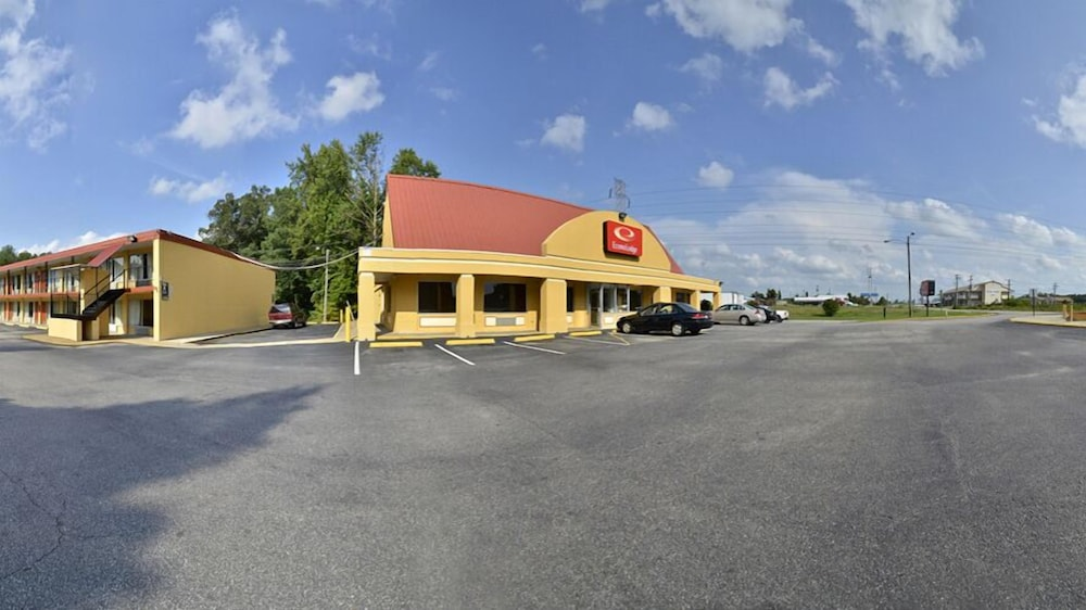 Front of Property, Econo Lodge Colonial Heights I-95