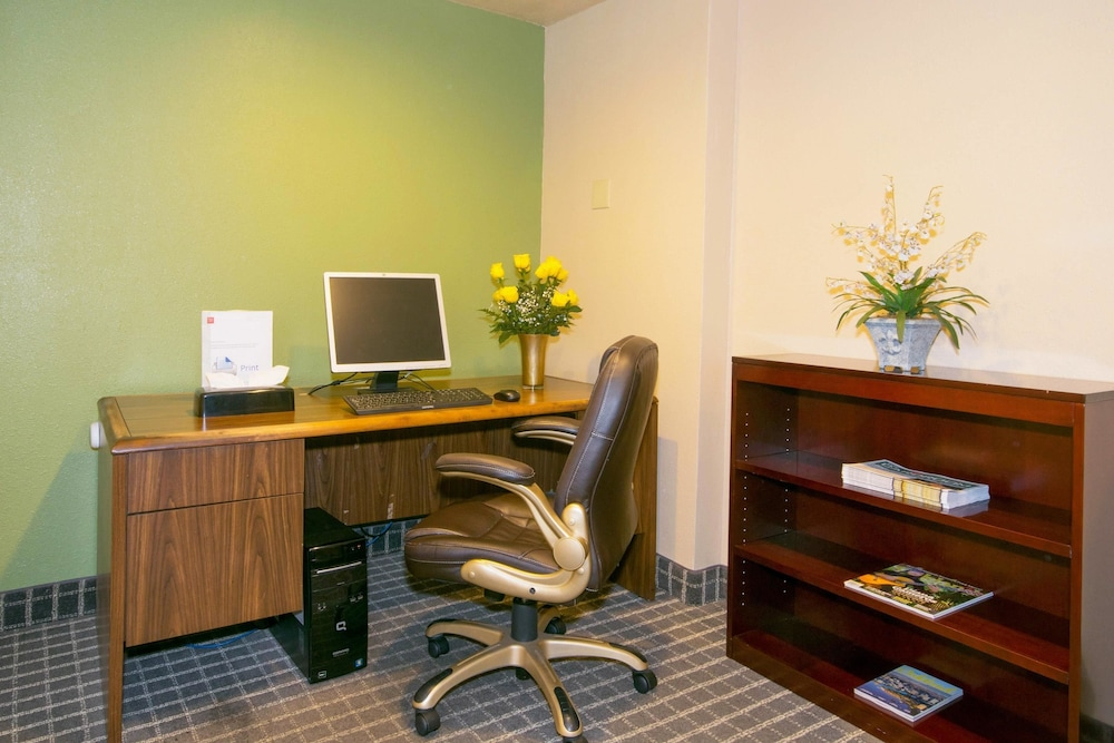 Business Center, Oakland Airport Executive Hotel