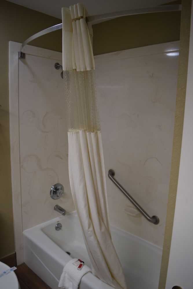 Bathroom Shower, Super 8 by Wyndham Paragould