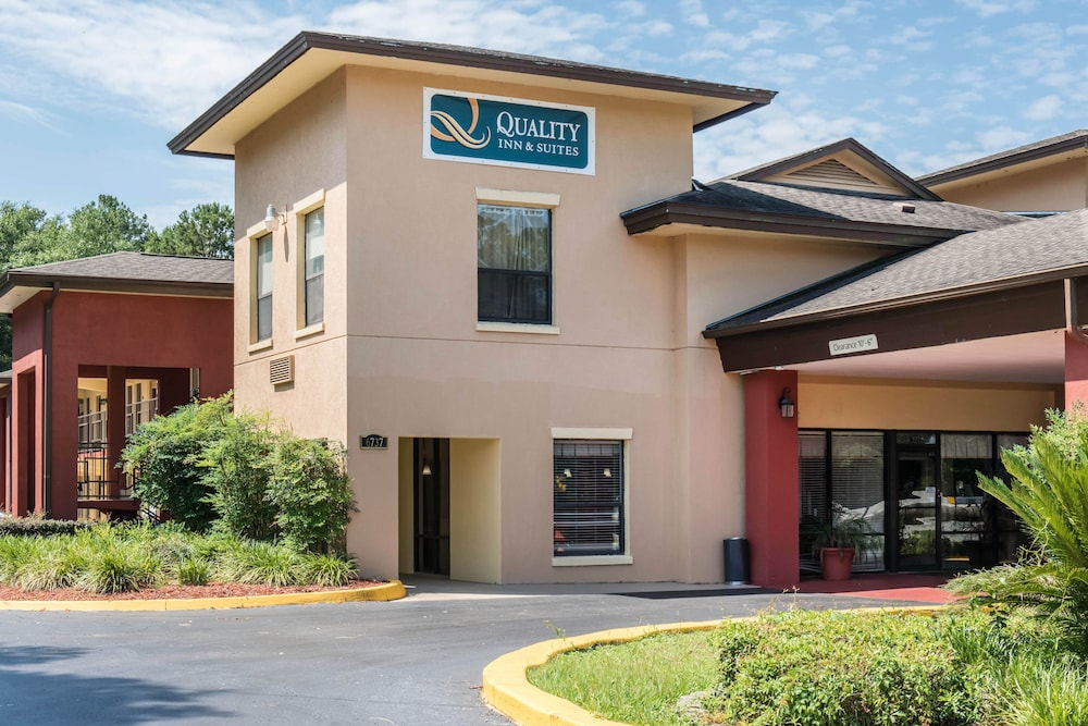 Sep 05, · The Quality Inn & Suites™ Capital District hotel is conveniently located close to downtown and the state capital. This Tallahassee hotel is near attractions like Florida State University, Florida A & M More University, Tallahassee Community College, Governor's Square Mall, Leon County Civic Center and the Koger Center. Guests of this 4/4().