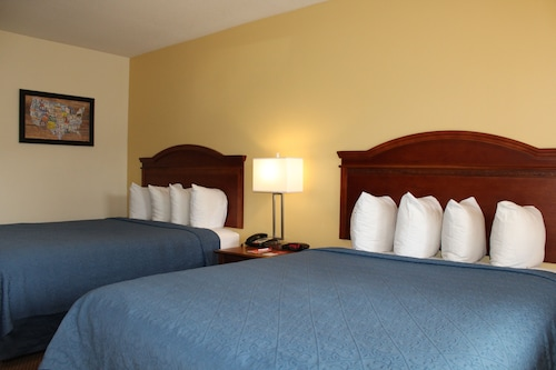 Econo Lodge Inn & Suites Lodi - Wine Country Area