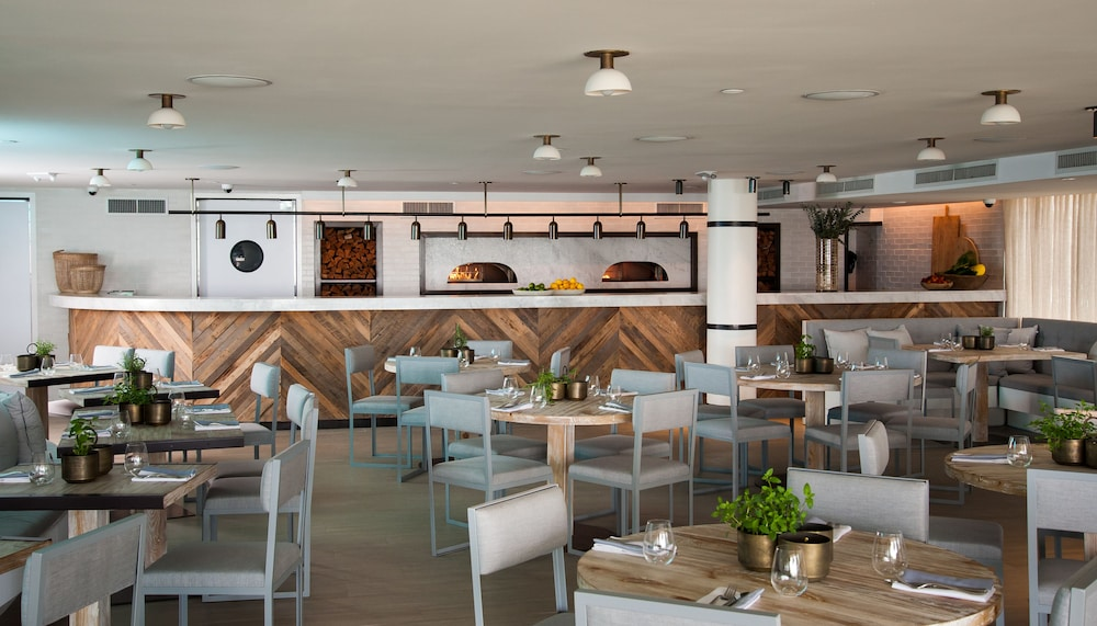 Restaurant, Eden Roc Miami Beach
