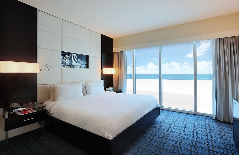 Room, Eden Roc Miami Beach