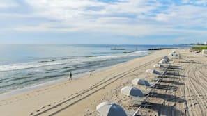 Private beach nearby, white sand, free beach shuttle, beach cabanas