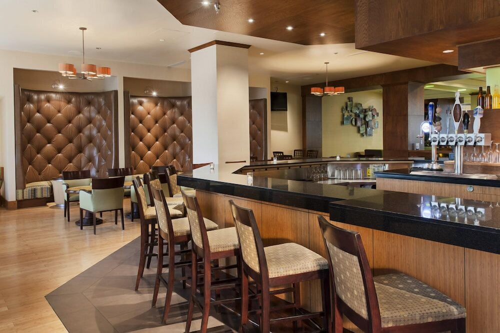 Lobby Lounge, DoubleTree by Hilton Omaha Downtown