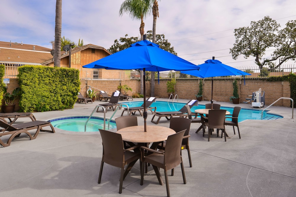 Outdoor Pool, Best Western Airpark Hotel-Los Angeles LAX Airport