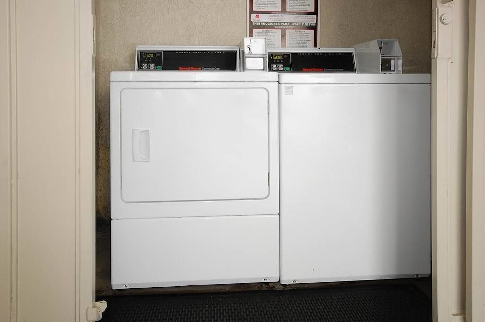 Laundry Room, Best Western Airpark Hotel-Los Angeles LAX Airport