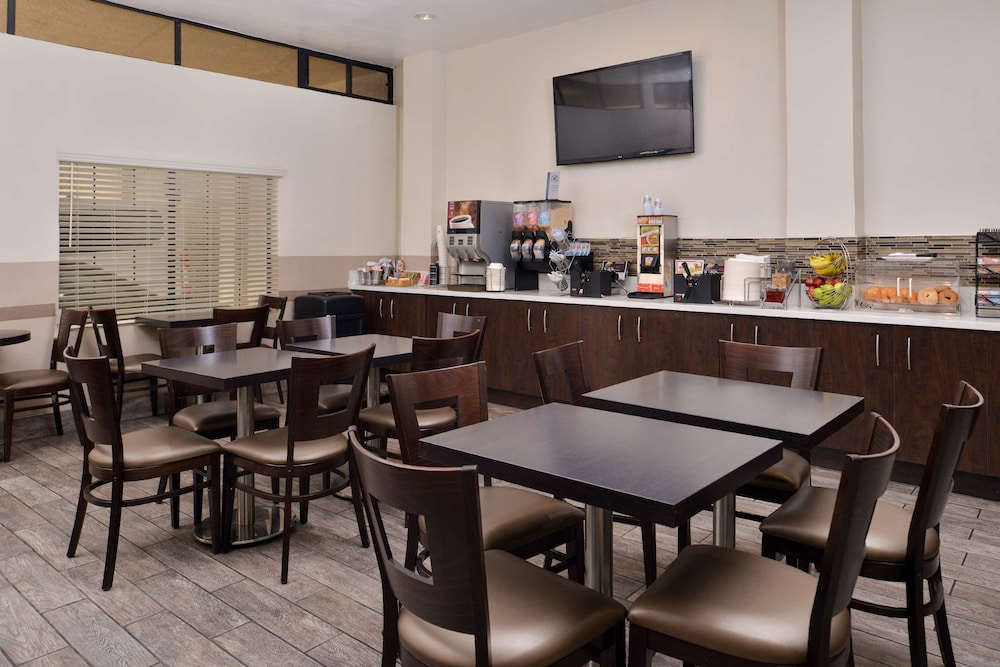 Breakfast Area, Best Western Airpark Hotel-Los Angeles LAX Airport