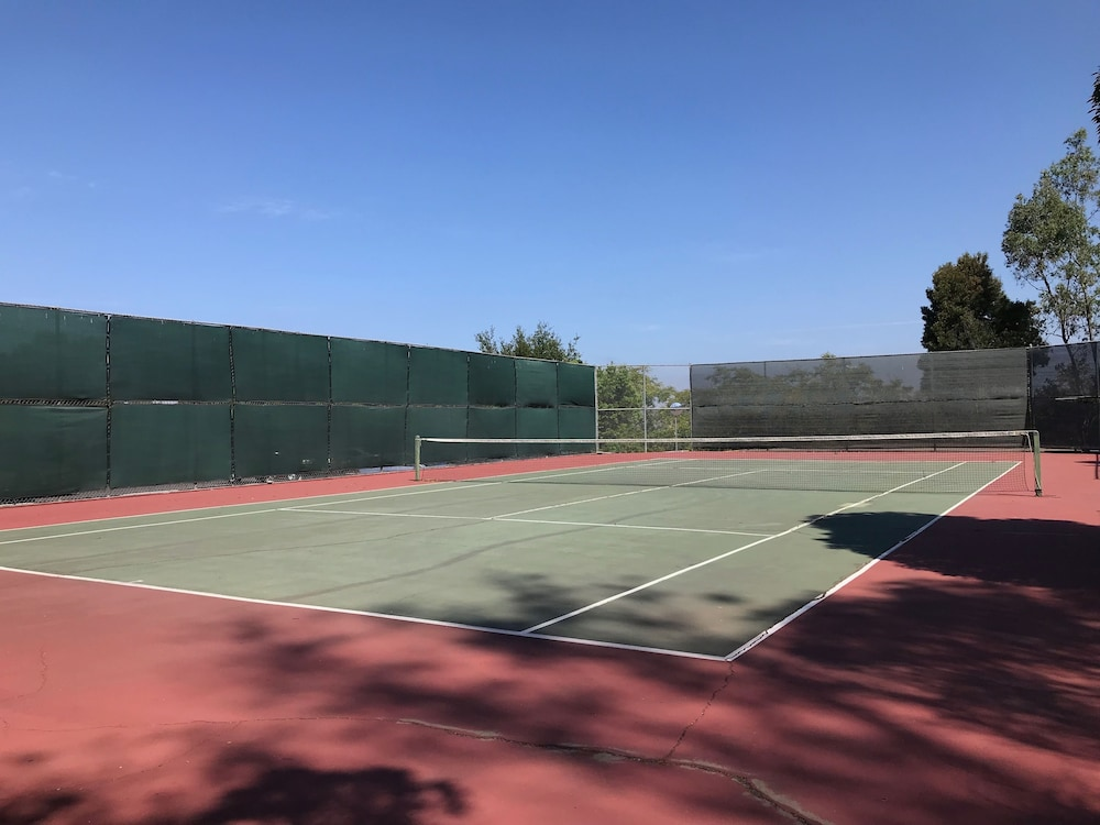 Tennis Court, The Inn At Rancho Santa Fe, a Tribute Portfolio Hotel