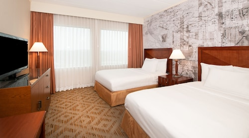 DoubleTree Suites by Hilton Philadelphia West