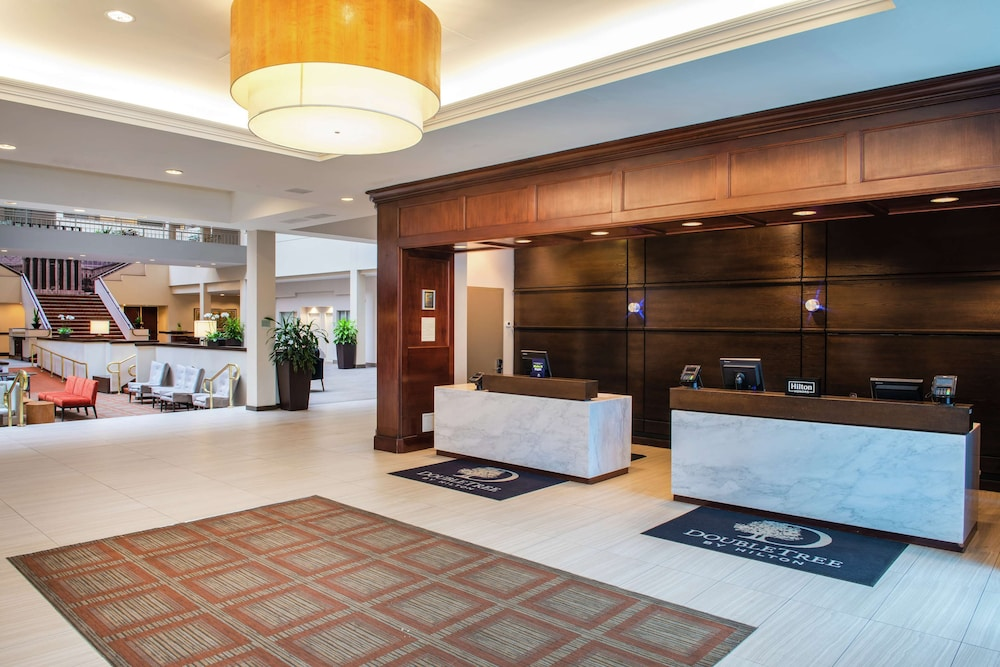 Reception, DoubleTree Suites by Hilton Philadelphia West