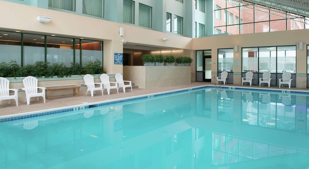 Pool, DoubleTree Suites by Hilton Philadelphia West