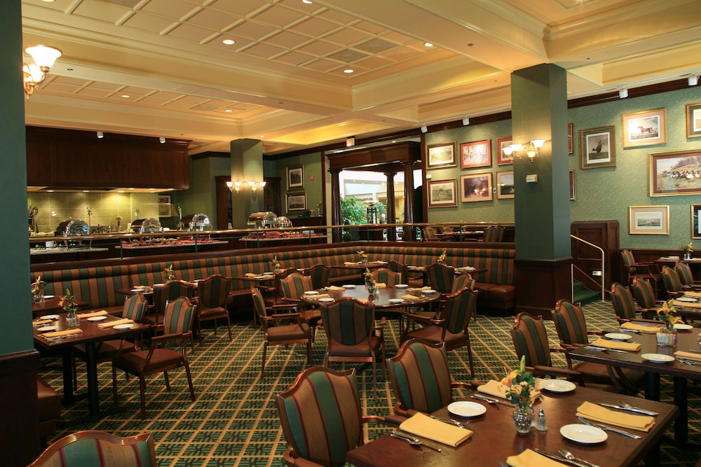 Restaurant, DoubleTree Suites by Hilton Philadelphia West