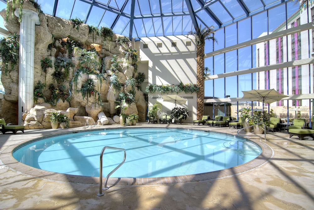 Indoor Pool, Atlantis Casino Resort Spa