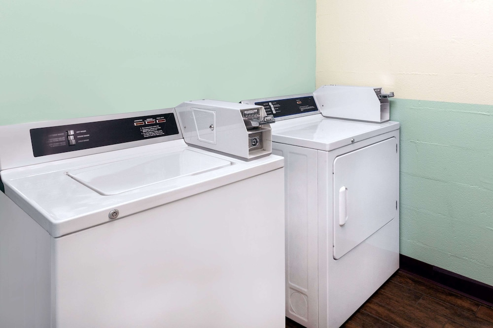 Laundry Room, Baymont by Wyndham London KY