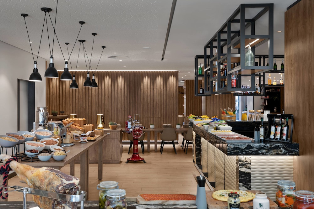 Breakfast buffet, AC Hotel by Marriott Innsbruck