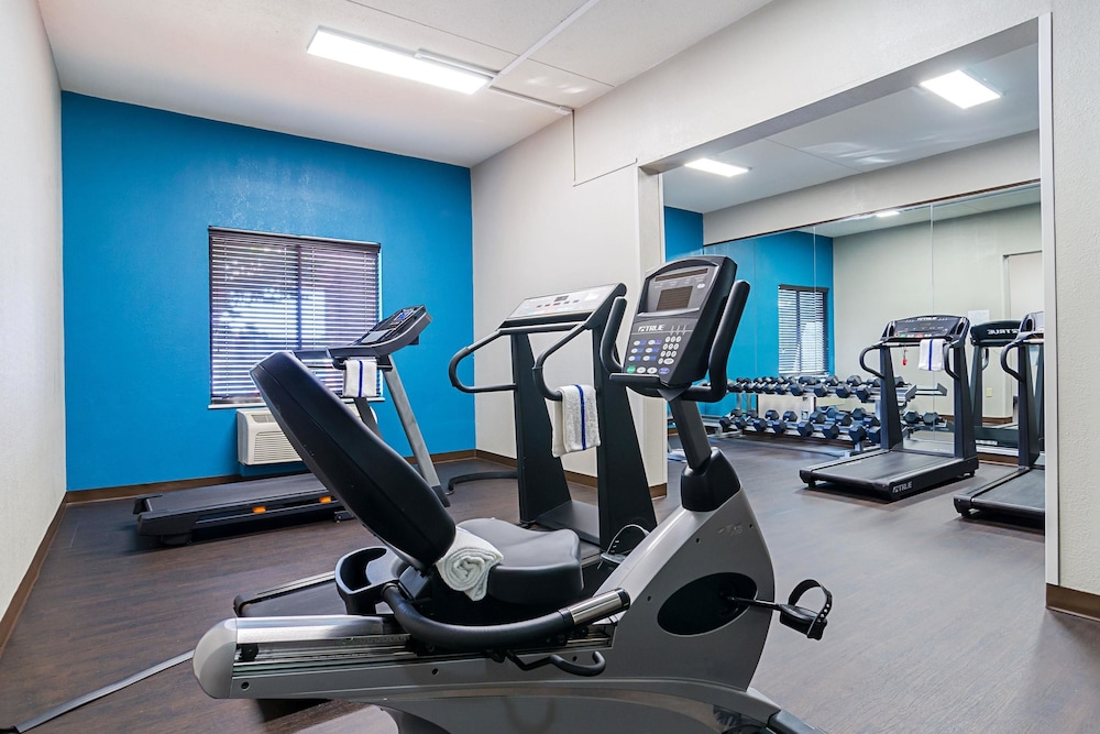 Fitness Facility, Quality Inn West End